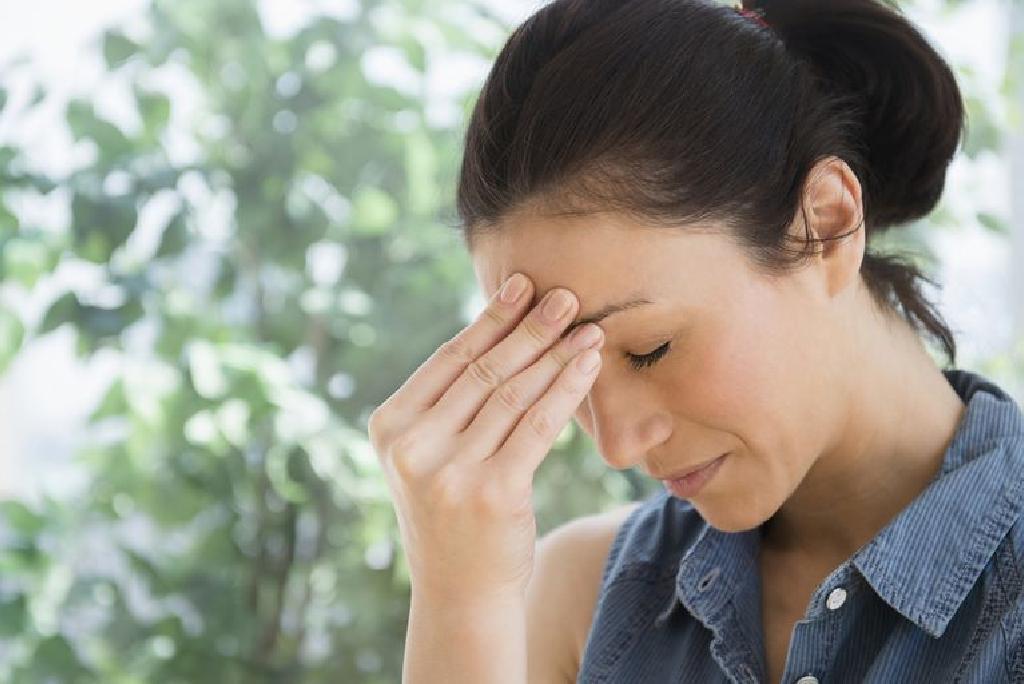 Kaip kovoti su migrena?