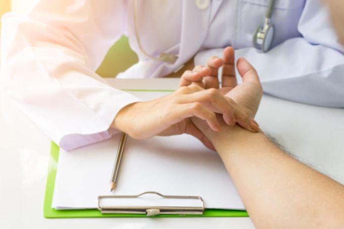 4 etapai iki širdies priepuolio kojų nagų ir sveikatos