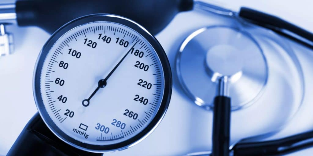 ar jie atlieka hipertenzijos operacijas dieta hipertenzijai svorio netekimas