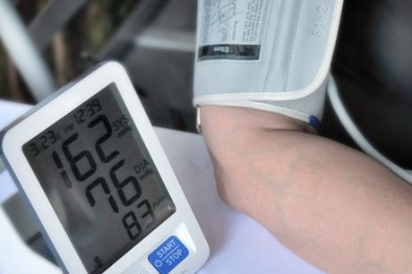 3 laipsnio hipertenzija su 4 rizika)