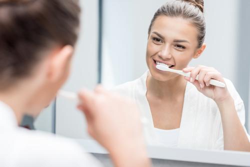 Kas bendro tarp burnos sveikatos ir širdies ligų? - vanagaite.lt