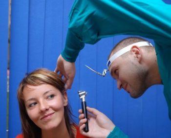 Kraujavimas iš nosies (epistaxis). Simptomai, priežastys, eiga ir gydymas