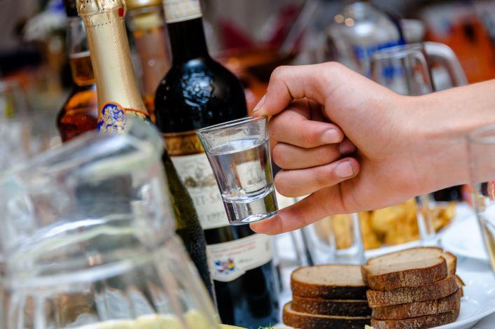 Alkoholis ir slėgis: poveikis ir suderinamumas su antihipertenziniais vaistais - Traumos -