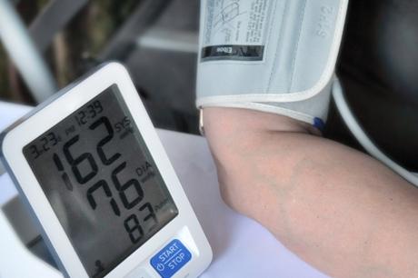nuo ko gali būti 2 laipsnio hipertenzija