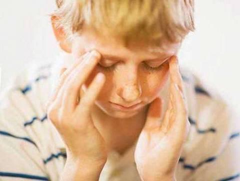 Degantis veidas ir galvos skausmas