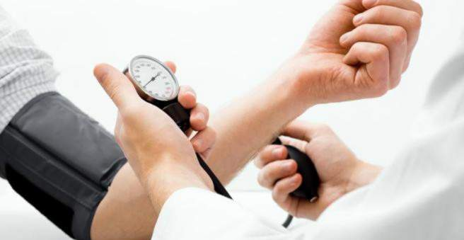 kaip atskirti hipertenziją nuo padidėjusio kraujospūdžio hipertenzijai)