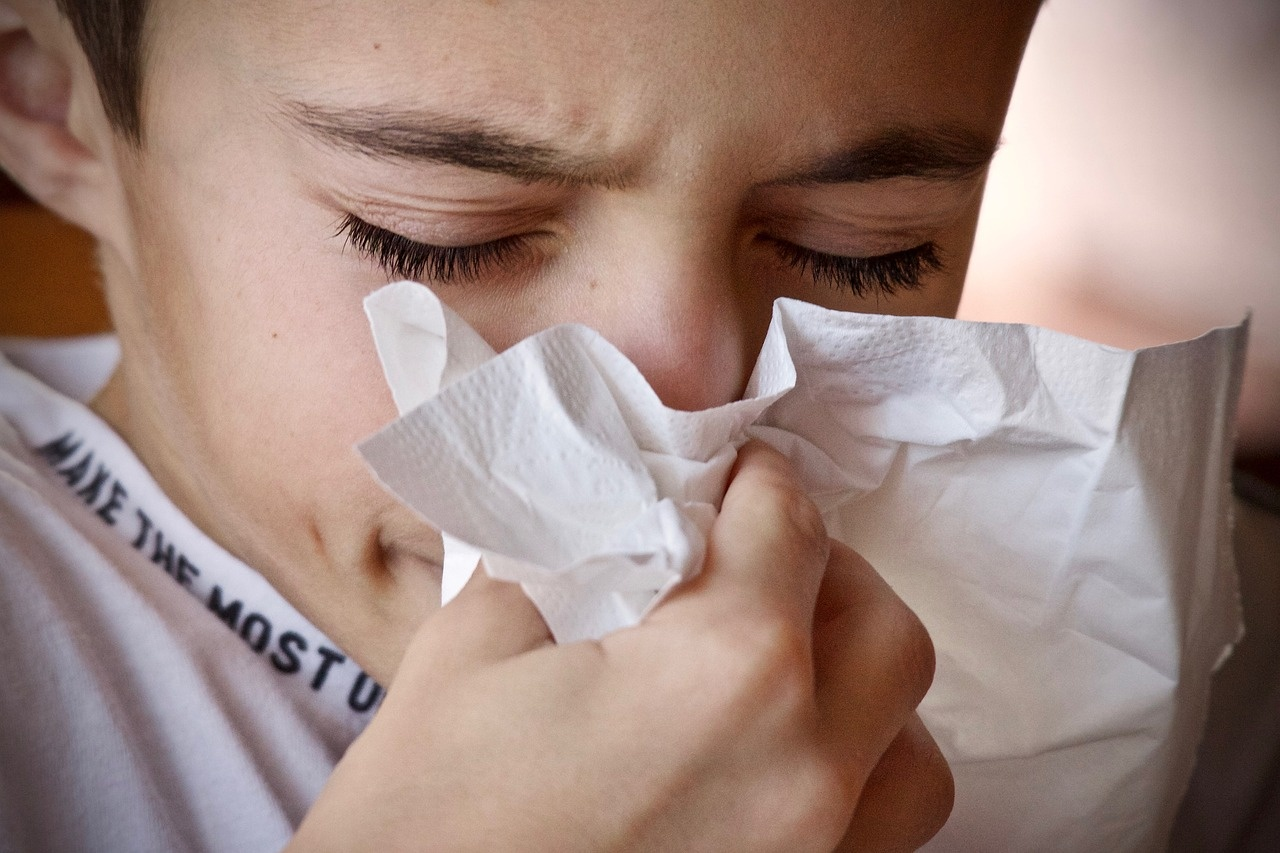 8 priežastys, kodėl iš nosies bėga kraujas