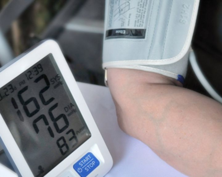 hipertenzija ir žema