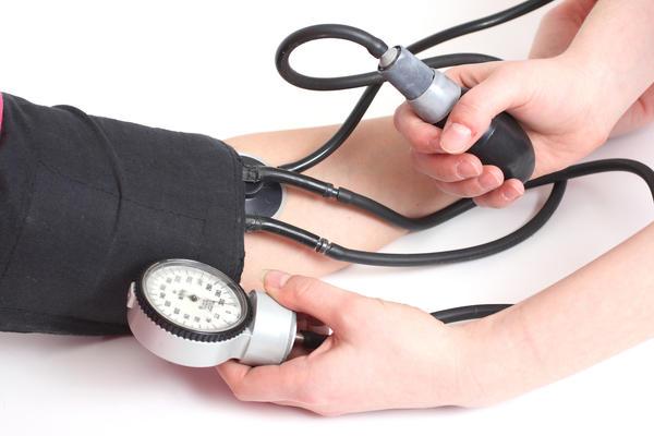 pirmiausia gydyti hipertenziją)