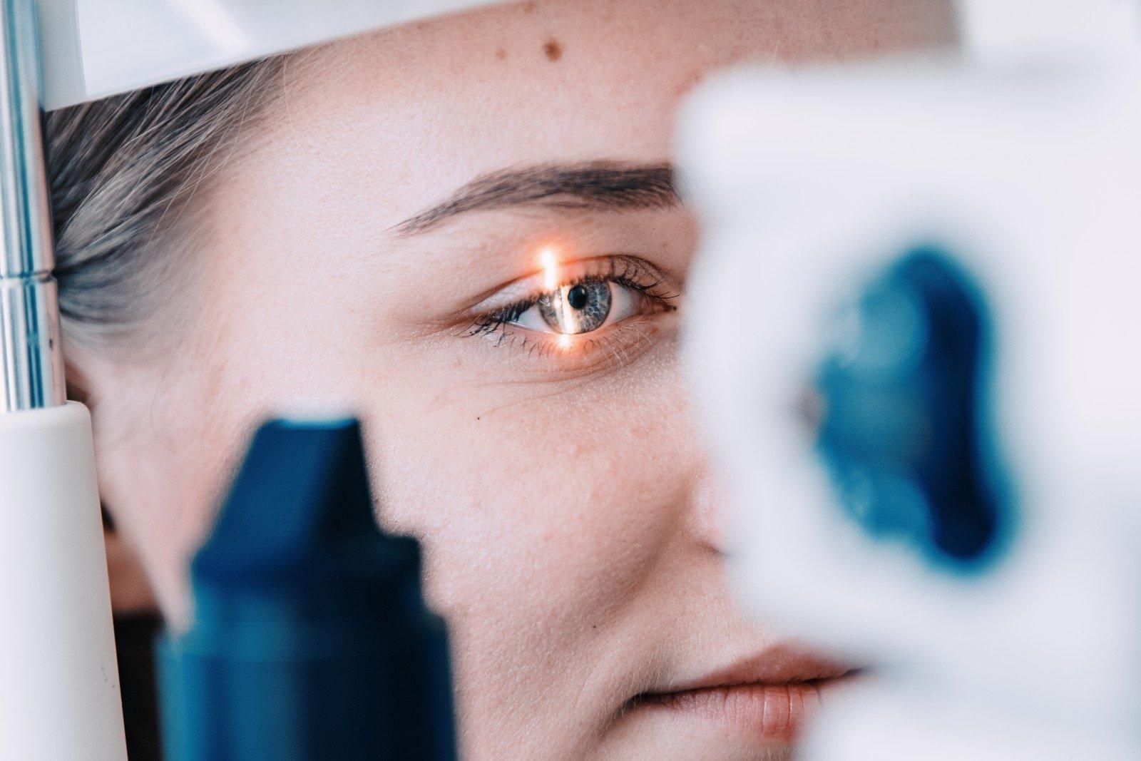 Akyse pastebėti pokyčiai gali padėti nustatyti riziką sirgti širdies ligomis