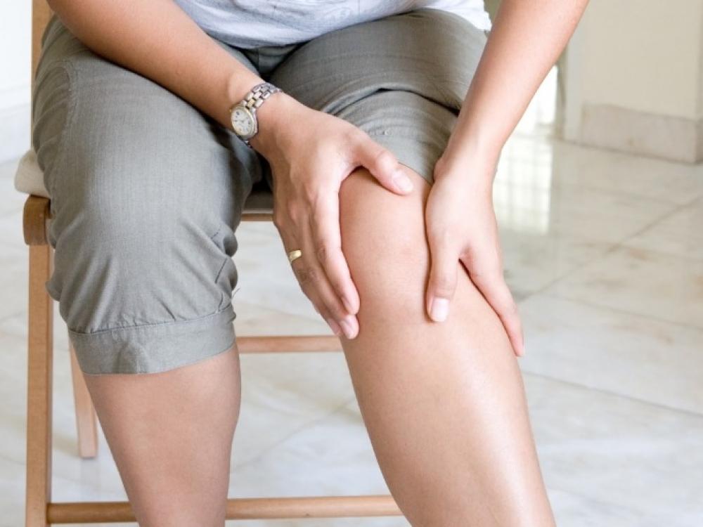 5 paprasti būdai, kaip lengvai ir greitai sumažinti kojų tinimą