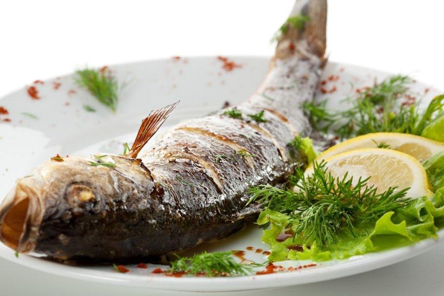 Žuvis ir žuvų taukai su pankreatitu, kokias veisles galite valgyti? Ar įmanoma lašiša?