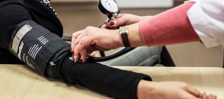 hipertenzija yra pasekmė