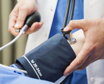 Vaistų skyrimo hipertenzijai gydyti tvarkos įsigaliojimas atidėtas iki rudens