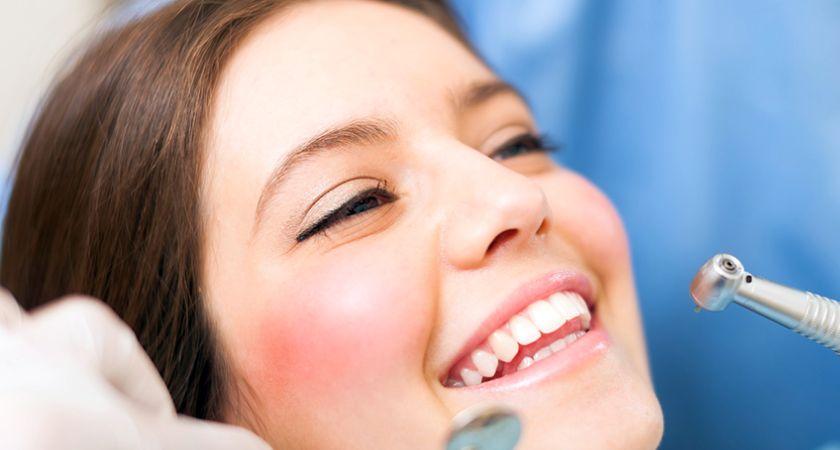 Prasta dantų ir dantenų būklė - širdies ligų priežastis