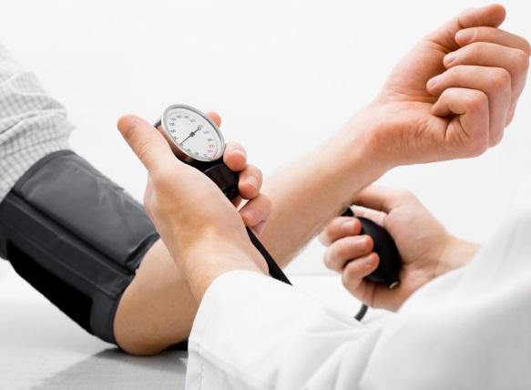 hipertenzija ir dienos režimas