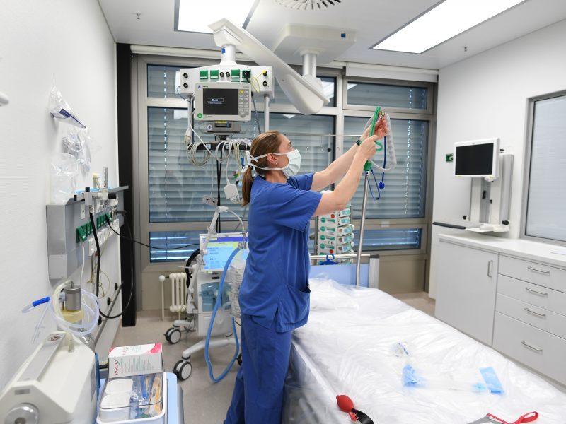 nemokama širdies sveikatos priežiūra Kanados ligoninėje)