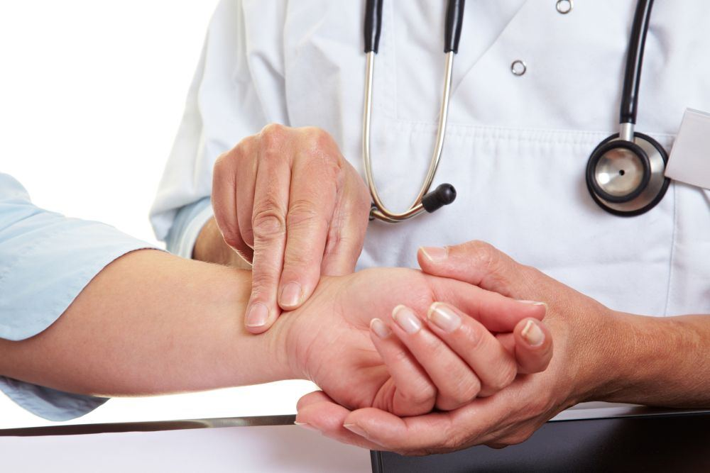sveikatos širdies plakimo dažnis hipofizio adenomos ir hipertenzija